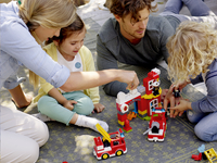 LEGO DUPLO 10903 Brandweerkazerne-Afbeelding 2