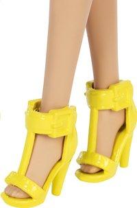 Barbie poupée mannequin  Fashionistas Original 104 - Checkered Chick-Base
