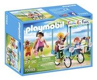 PLAYMOBIL Family Fun 70093 Famille et rosalie-Côté gauche