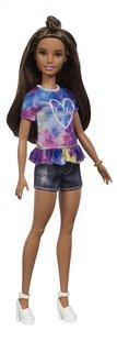 Barbie poupée mannequin  Fashionistas Petite 112 - Tie Dye Dreamer-commercieel beeld