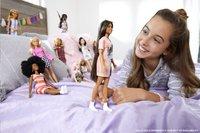 Barbie poupée mannequin  Fashionistas Petite 103 - Tone Graphic Dress-Image 1