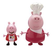 2 figuren Peppa Pig Mama Pig en Peppa in kokskostuum