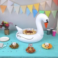 BigMouth snack-bar gonflable Cygne-commercieel beeld