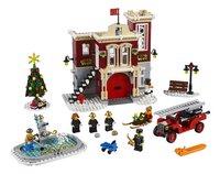 LEGO Creator Expert 10263 Brandweerkazerne in winterdorp-Vooraanzicht