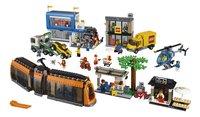 LEGO City 60097 Stadsplein-Vooraanzicht