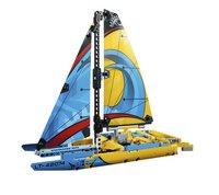 LEGO Technic 42074 Racejacht-Vooraanzicht