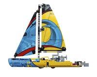 LEGO Technic 42074 Racejacht-Rechterzijde