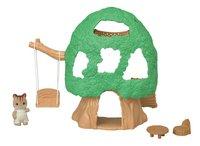 Sylvanian Families 5318 - La cabane et Luke, bébé Écureuil Roux-commercieel beeld