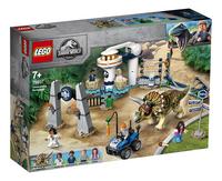 LEGO Jurassic World 75937 Triceratopschaos-Linkerzijde