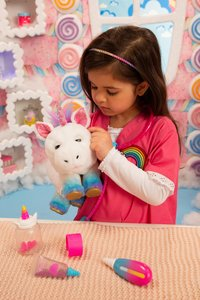 Interactieve knuffel Little Live Pets Rainglow Unicorn Vet Set-Afbeelding 4