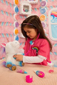 Interactieve knuffel Little Live Pets Rainglow Unicorn Vet Set-Afbeelding 8