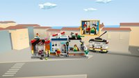 LEGO Creator 3-in-1 31097 Woonhuis, dierenwinkel & café-Afbeelding 2