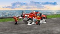 LEGO City 60231 Reddingswagen van brandweercommandant-Afbeelding 2