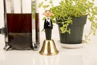 Kikkerland Waiter Dinner Bell-Afbeelding 1