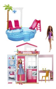 Barbie huis met zwembad en 3 poppen-commercieel beeld