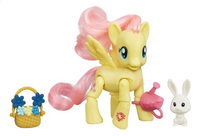 Afbeelding van My Little Pony speelset Explore Equestria Fluttershy plukt bloemen from DreamLand