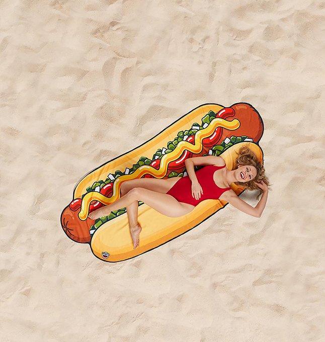 BigMouth handdoek Hot Dog Beach Blanket B 94 x L 216 cm